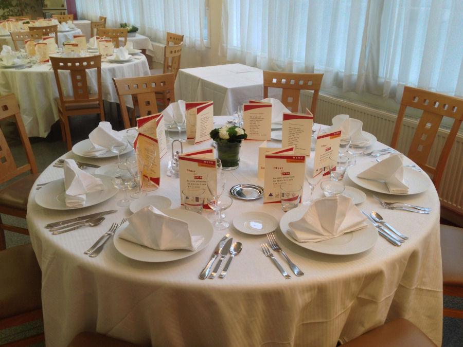 Promouvoir et valoriser la formation et les m tiers de la for Table cuisine 2 places